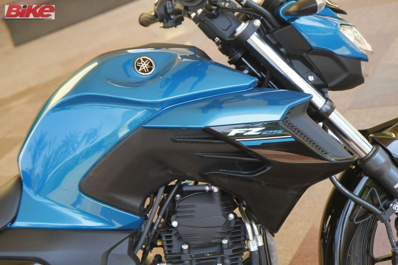 Yamaha-FZ25-250cc-First-ride-review-bike-india-M12