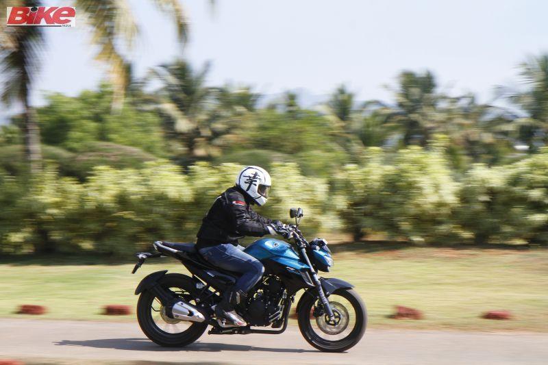 Yamaha-FZ25-250cc-First-ride-review-bike-india-M4