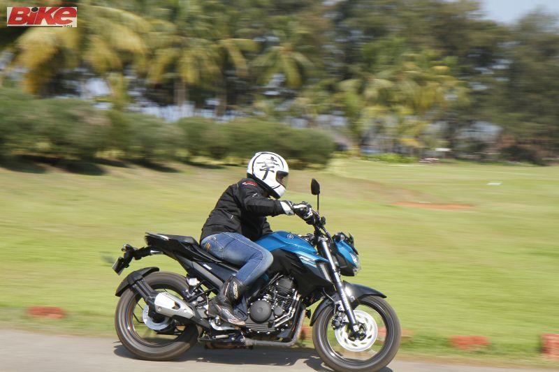 Yamaha-FZ25-250cc-First-ride-review-bike-india-M5