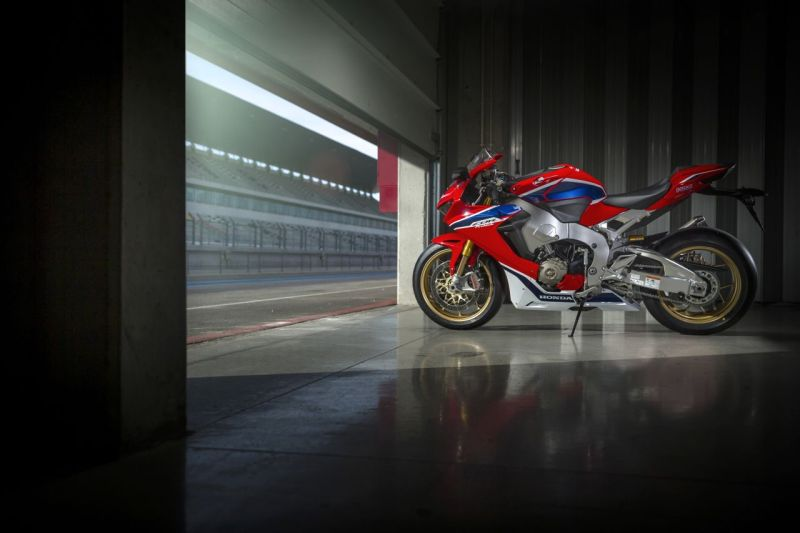 2017 Honda CBR 1000RR Fireblade SP launch price in India