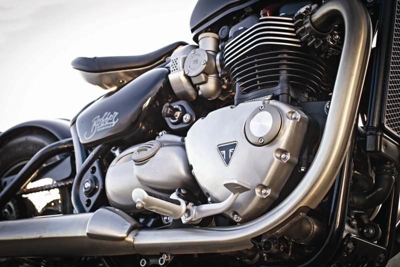 Triumph Bonneville Bobber web 3