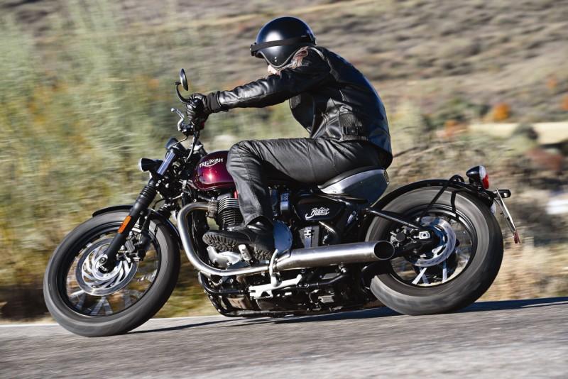Triumph Bonneville Bobber web 6