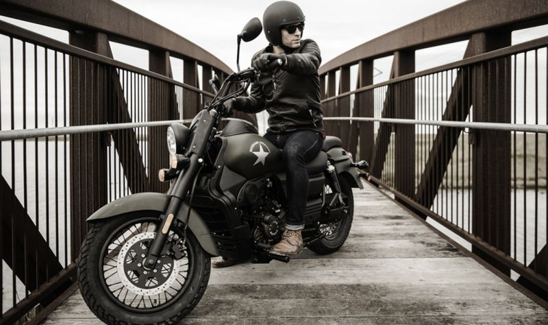 UM Motorcycle Renegade Commando FI price