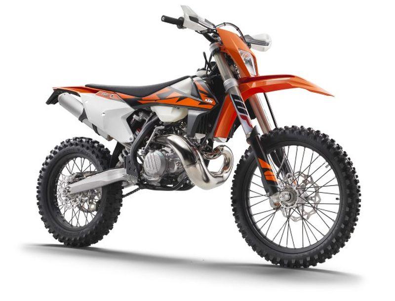 2018-KTM-250-300-EXC-TPI-dirt-bike07 Web