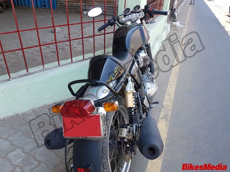 royal-enfield-continental-gt-750-spied-tail-light Web