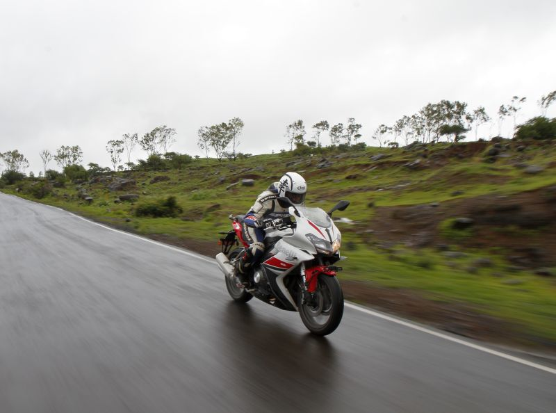 DSK Benelli Bike India review