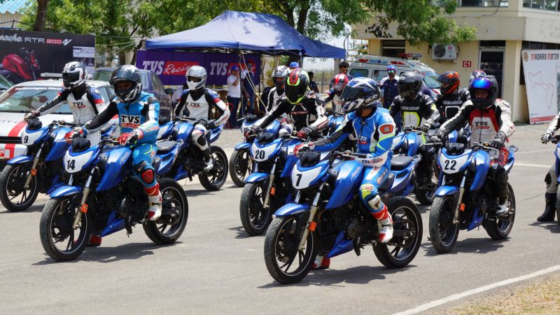 new, bike, india, tvs, apache, rtr, 2004v, racing, school, racetrack, mmrt, kari motor speedway, chennai, coimbatore, race, training, news, feature, latest