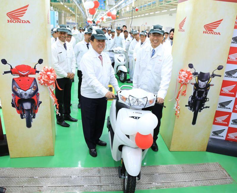 new, bike, india, honda. two wheelers, narsapura, karnataka, plant, assembly line, solar, news, latest