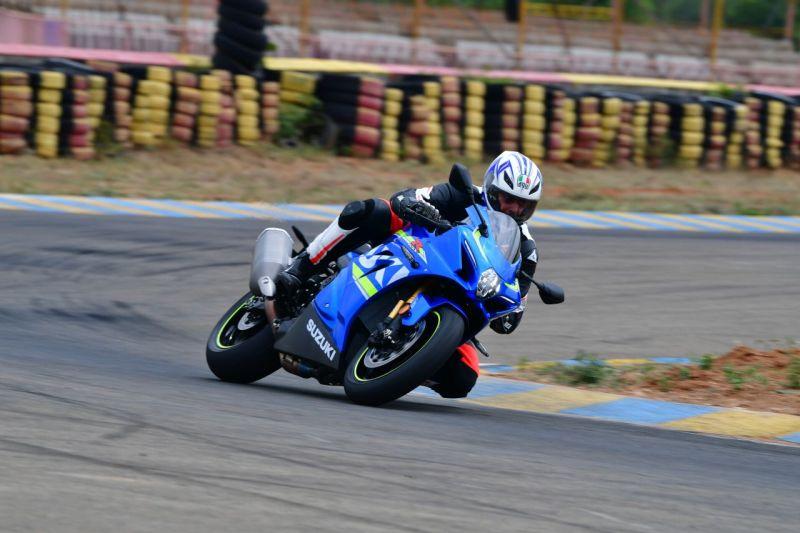 2017-Suzuki-GSX-R-1000-Bike-India-Aspi-M1