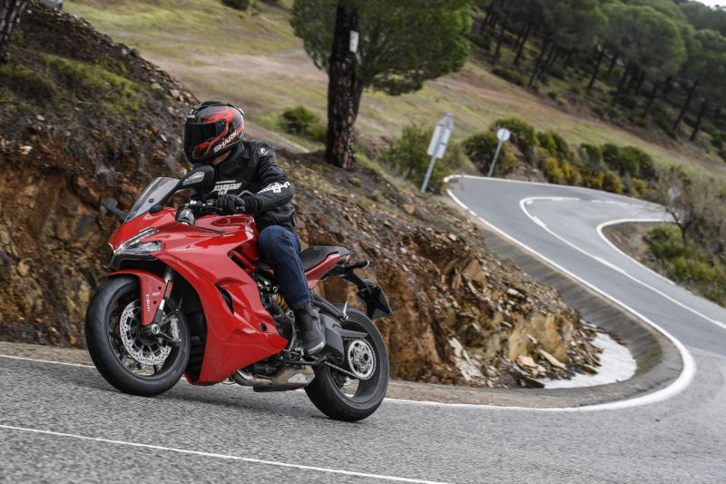 Ducati-SuperSport-S-First-Ride-Review-Bike-India-M2