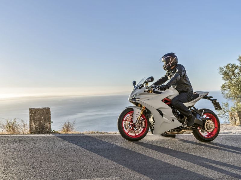 Ducati-SuperSport-S-First-Ride-Review-Bike-India-M8
