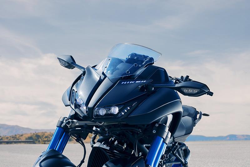 Yamaha_Niken_Tokyo_Motor_Show_2_WEB