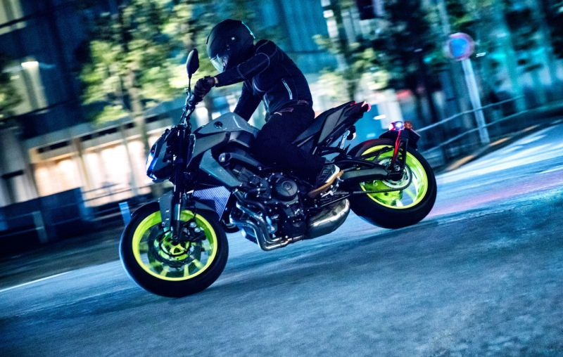 2018-Yamaha-MT-09-Launched-in-India-Price-Specs-M3