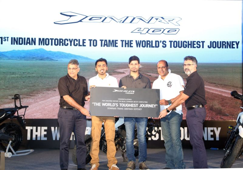 Eric Vas and Sumeet Narang from Bajaj Auto on the occasion of Dominar creating history by conquering the world toughest journey-M2