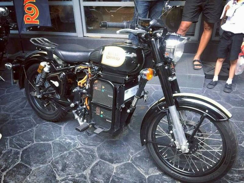 Royal-Enfield-Electric-Bullet-Spotted-Bike-India-M1