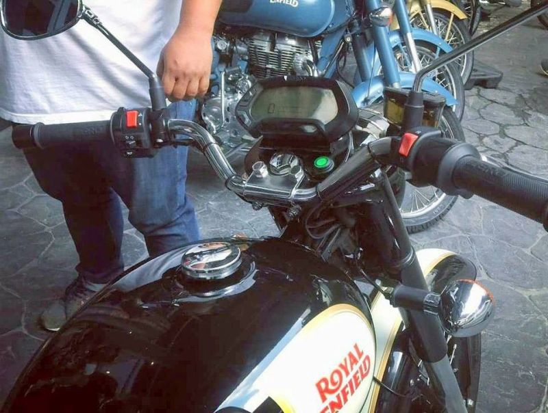 Royal-Enfield-Electric-Bullet-Spotted-Bike-India-M2