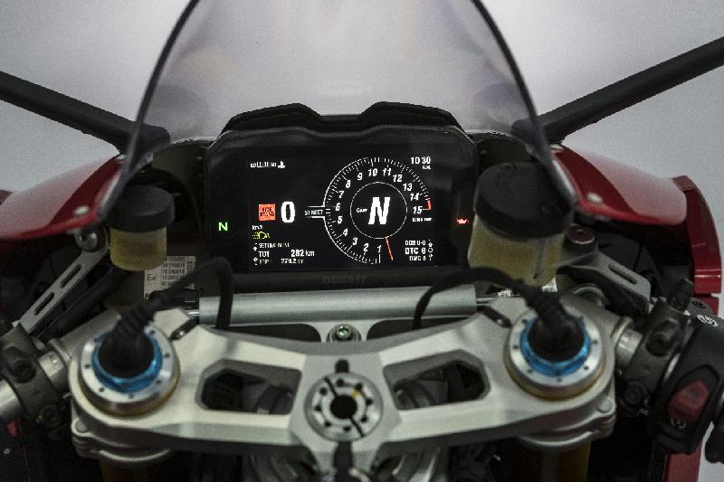 Ducati Panigale V4 web 9