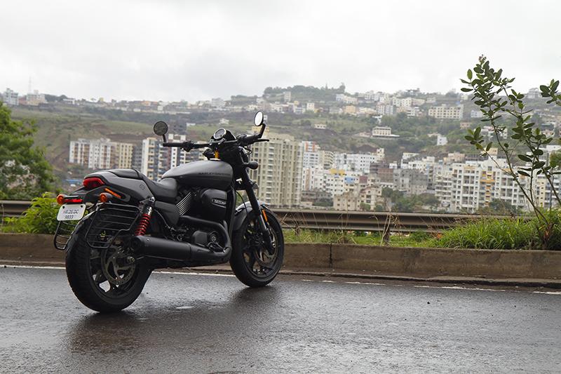Harley-Davidson_Street_Rod_4_WEB