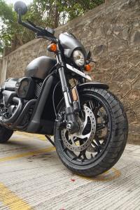 Harley-Davidson_Street_Rod_7_WEB