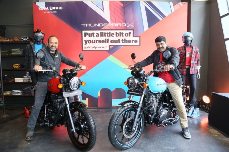 Royal-Enfield-Thunderbird-x-350-500-red-blue-launch-price-M1