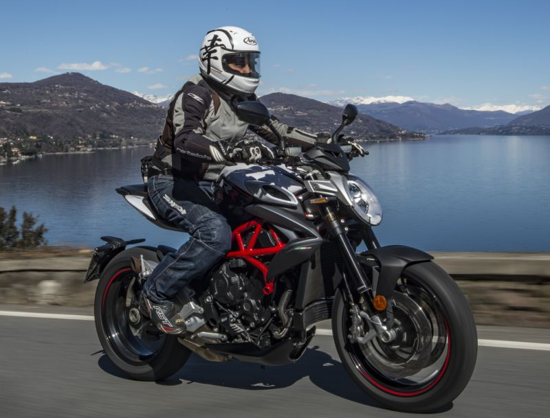 MV Agusta 800 RR ride review