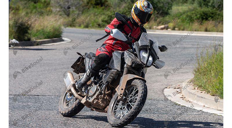 Latest spy pic of new KTM 390 Adventure bike