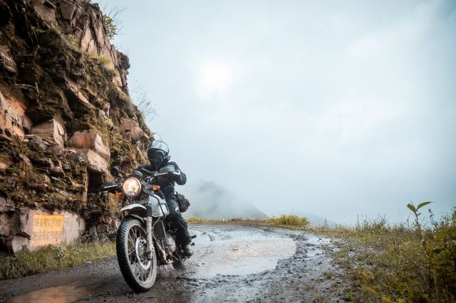 Royal Enfield Unroad Himachal - Can't lose focus on roads like these while riding at Himachal Pradesh, India