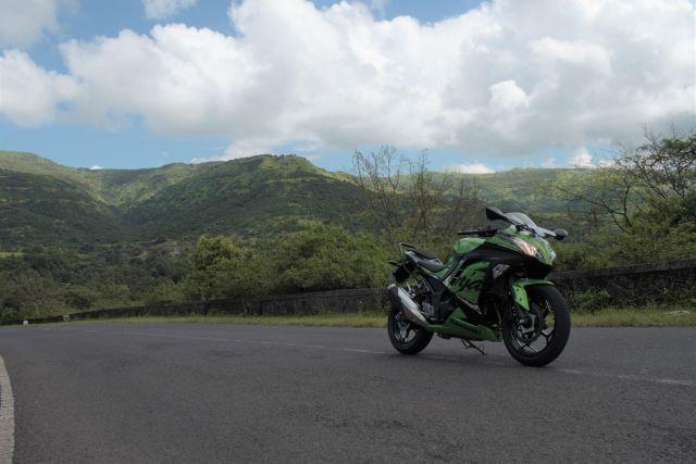 Kawasaki Ninja 300 Abs First Ride Review Little Green Monster