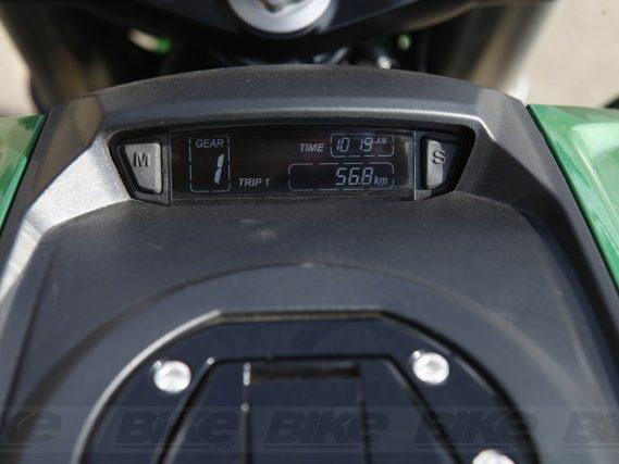 The digital display on the fuel tank of Bajaj Dominar