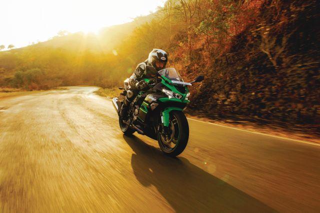 Kawasaki Ninja ZX-6R First Ride Review - Bike India