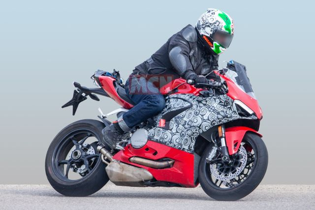 new Ducati Panigale 959 spied
