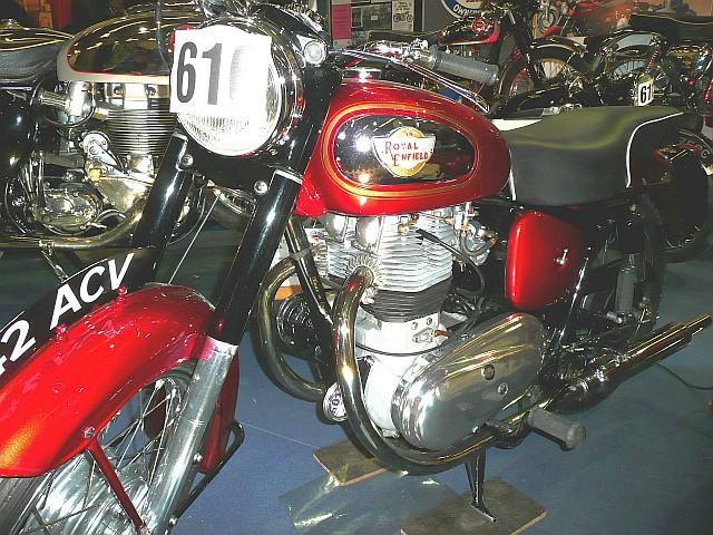 Royal_Enfield_Super_Meteor_1957