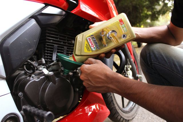 Castrol Power1 engine oil