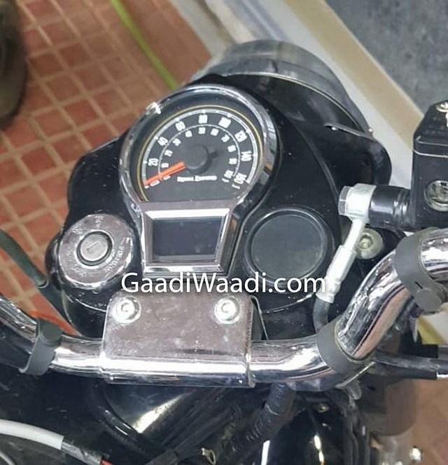 WEB 2020-Royal-Enfield-Classic-350-Instrument-Console-Spied-618x640