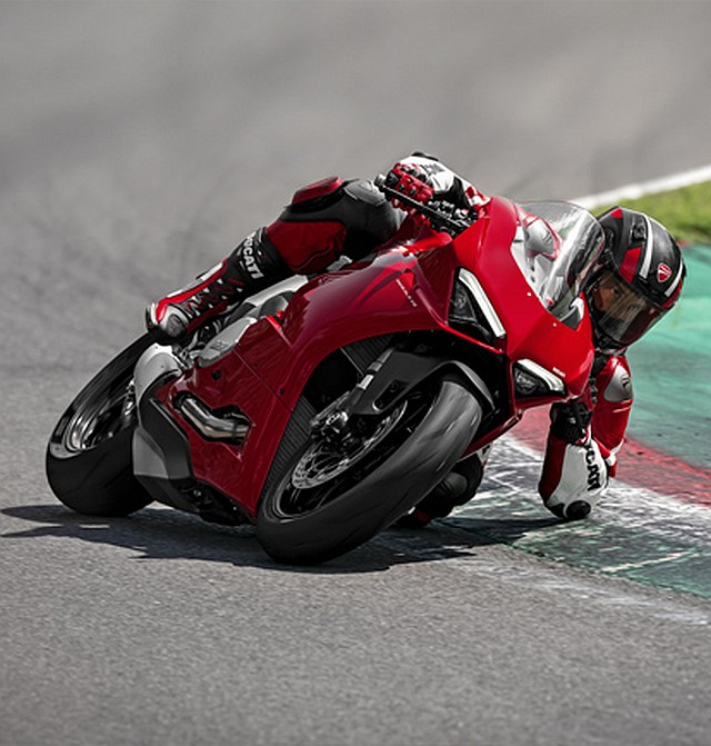 Panigale-V2-Red-03-MY20-Grid-People-414x434 WEB