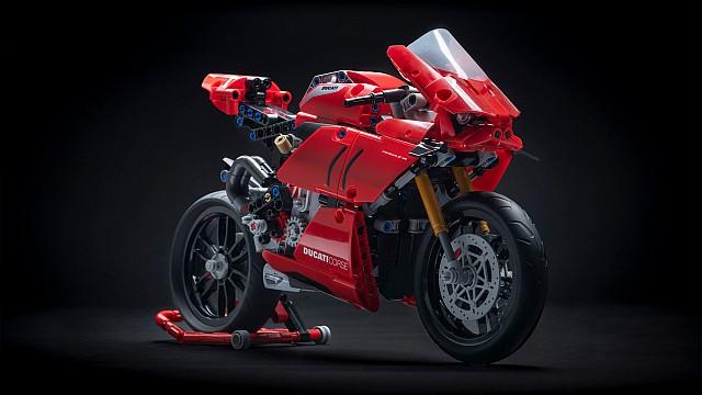 LEGO Ducati Panigale V4 R 1 WEB