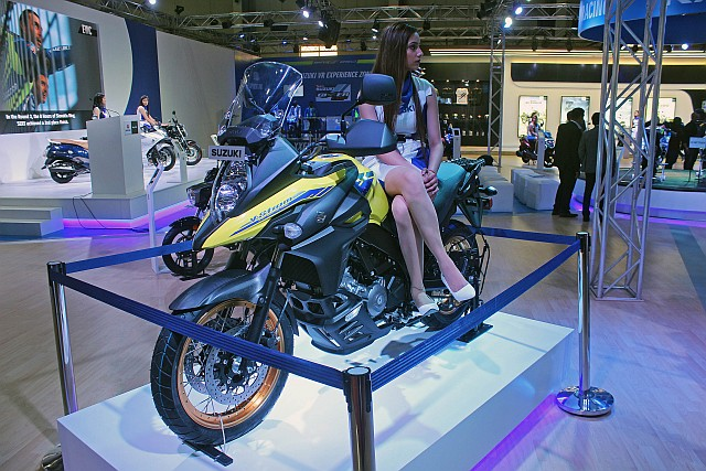 Suzuki V-Strom 650 XT at the Auto Axpo 2020 2 WEB