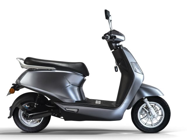 new electric scooter bgauss b8