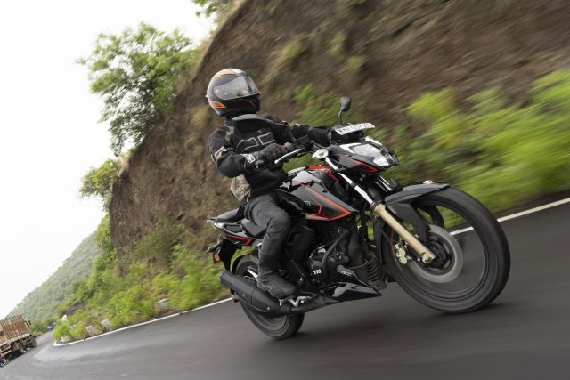 BS6 TVS Apache RTR 200 4V Action 4 WEB