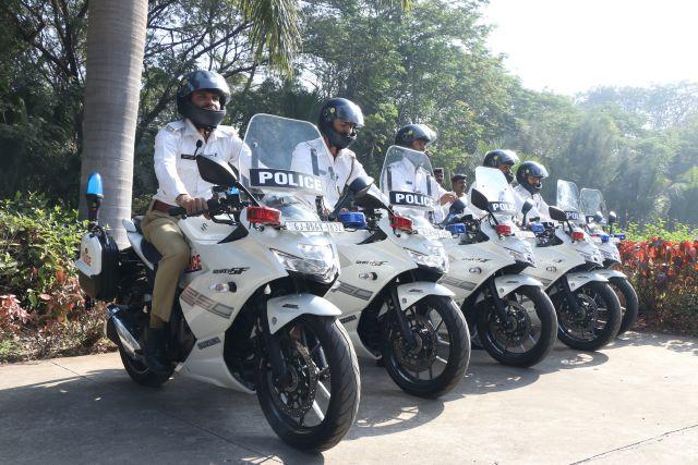 Suzuzki Gixxer SF 250 Police 1 WEB