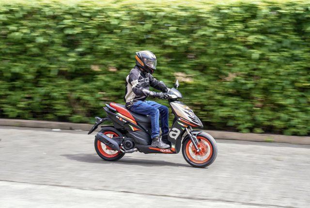 Action riding 2020 Aprilia Sr 160 Race BS6