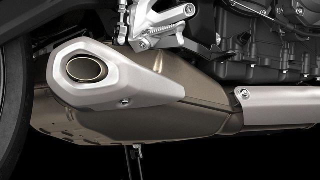 Triumph Trident 660 12
