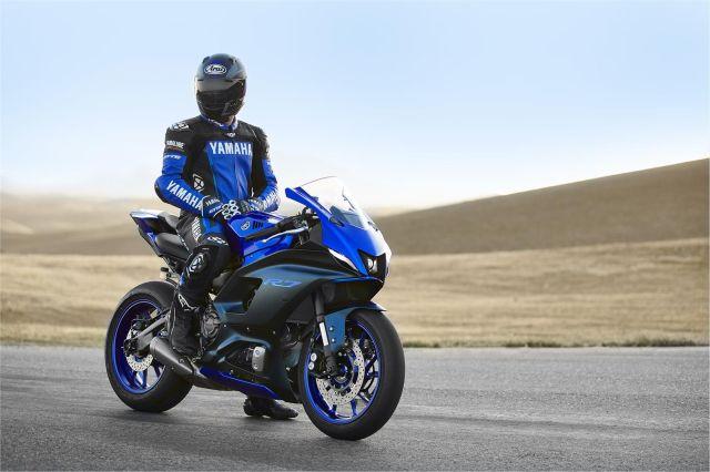 Yamaha R7 7 WEB